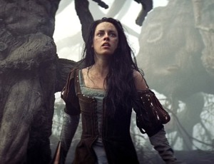 Kristen Stewart é Branca de Neve